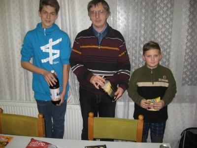 6. turnaj O pohár Jiskra HB 8.1.16 vítězové turnaje z leva druhý Jakub Satrapa,Roman Vincze a Ruda Jun
